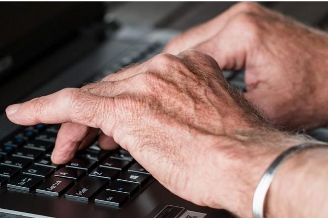 Rapport sur l'inclusion numérique : Accélérer la formation des aidants