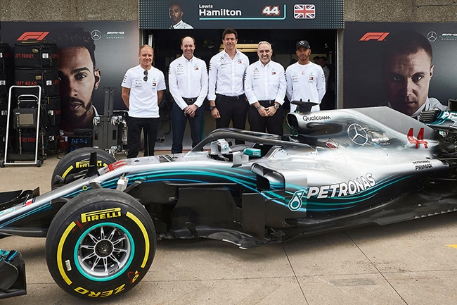 Comment l'écurie de F1 Mercedes-AMG traite ses données de course en temps réel